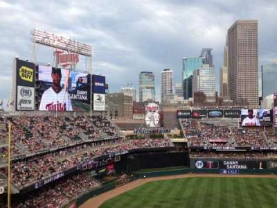 Target Field section 324