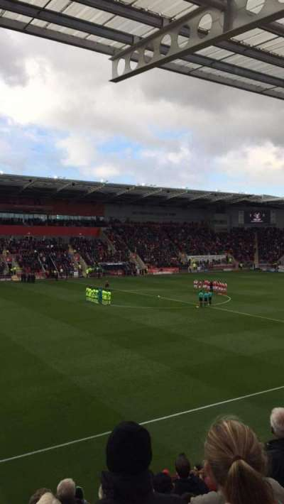 New York Stadium, section: ES7, row: K, seat: 186