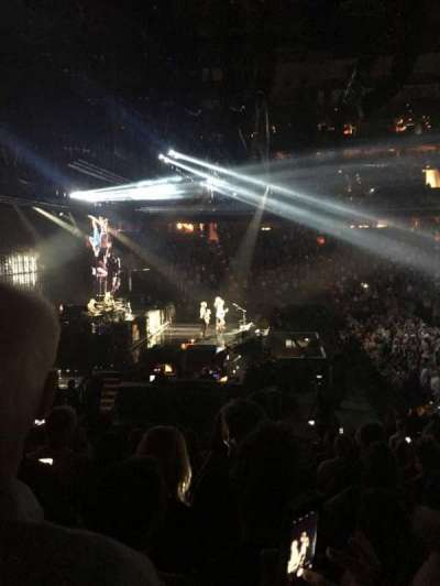 Capital One Arena, section: 20, row: R