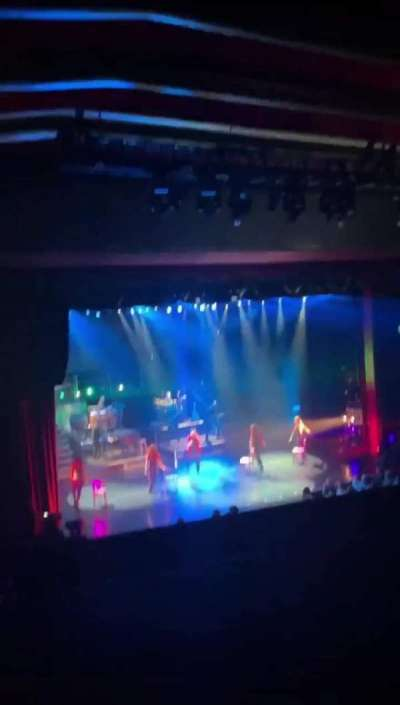 Donny & Marie Showroom section Balcony