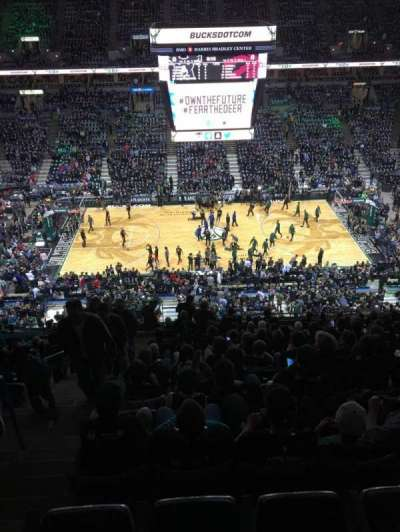 BMO Harris Bradley Center, section: 422, row: R, seat: 13