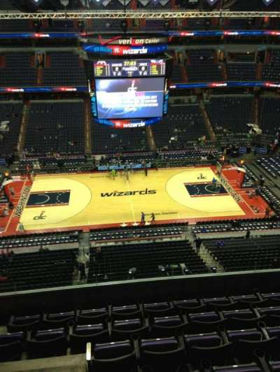 Capital One Arena, section: 418, row: G, seat: 1