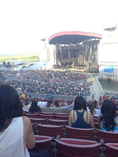 Jones Beach Theater, section: 2, row: GG, seat: 7