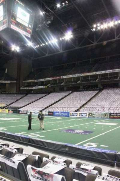 Jacksonville Veterans Memorial Arena, section: 101, row: 4