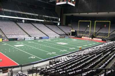 Jacksonville Veterans Memorial Arena, section: 106, row: J, seat: 1
