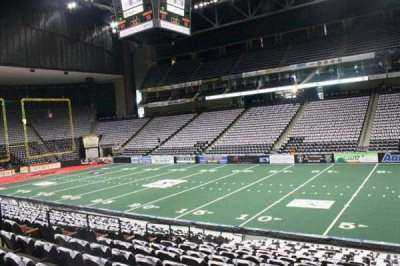 Jacksonville Veterans Memorial Arena, section: 112, row: R, seat: 5