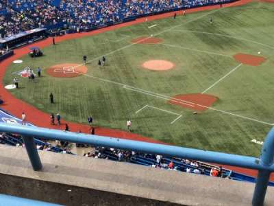 Rogers Centre, section: 516L, row: 2, seat: 101