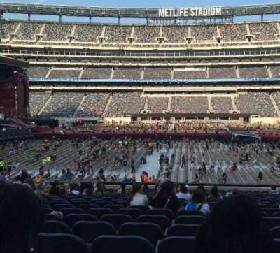 MetLife Stadium, section: 139, row: 24, seat: 17