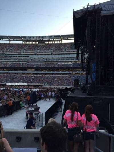 MetLife Stadium, section: 110, row: 5, seat: 1