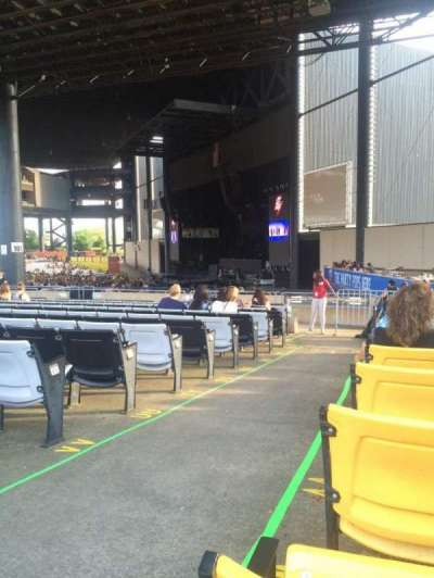 Hollywood Casino Amphitheatre (Tinley Park), section: 201, row: XX