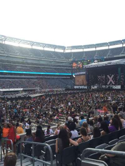 MetLife Stadium, section: 117, row: 9, seat: 2