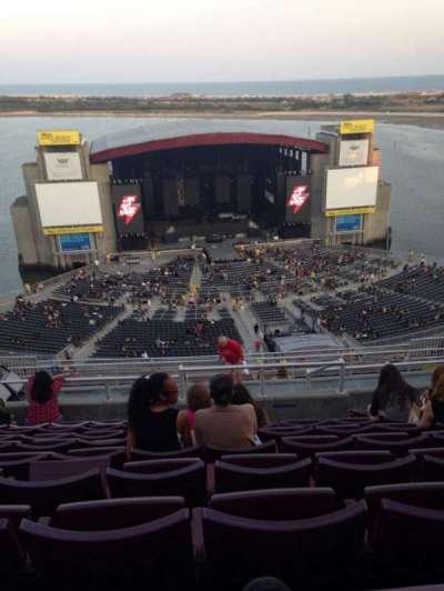 Jones Beach Theater, section: 23, row: Q, seat: 14