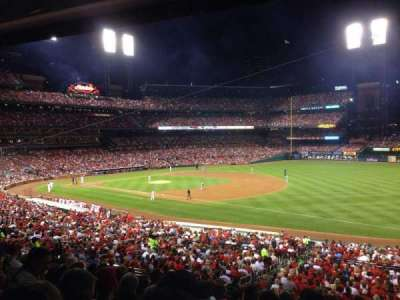 Busch Stadium, section: 137, row: 28, seat: 16