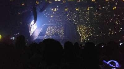 Honda Center, section: 412, row: R, seat: 8