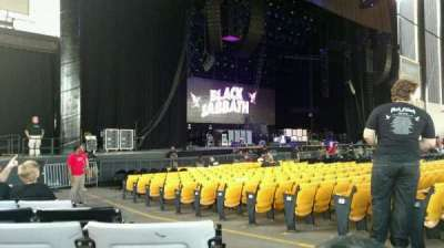 Hollywood Casino Amphitheatre (Tinley Park), section: 105, row: Q, seat: 3