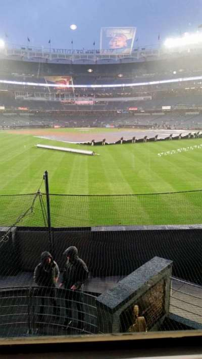 Yankee Stadium, section: Mohegan Sun Sports Bar, row: Row 1