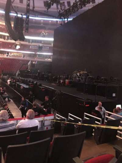 United Center, section: 121, row: 7, seat: 3