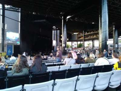 Hollywood Casino Amphitheatre (Tinley Park), section: 201, row: Zz, seat: 23