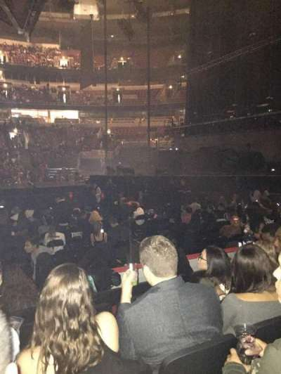 United Center, section: 121, row: 6, seat: 9