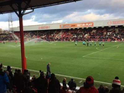Griffin Park, section: B301, row: P, seat: 117