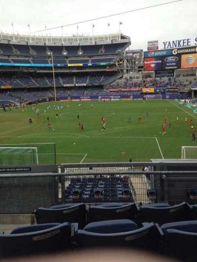 Yankee Stadium, section: 211, row: 4, seat: 19