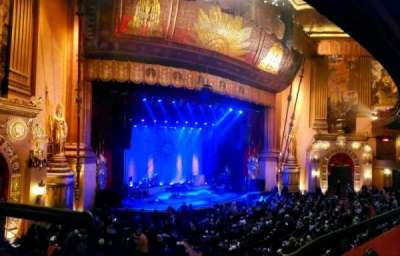 Beacon Theatre, section: Loge 1, row: A, seat: 25