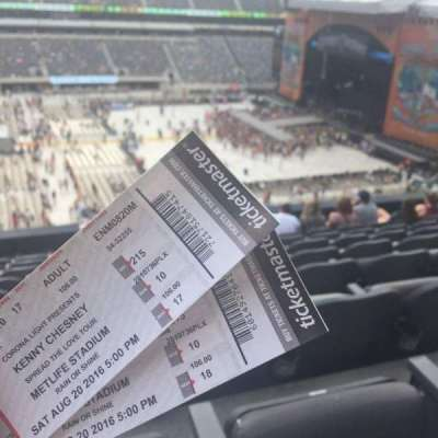 MetLife Stadium, section: 215, row: 10, seat: 17