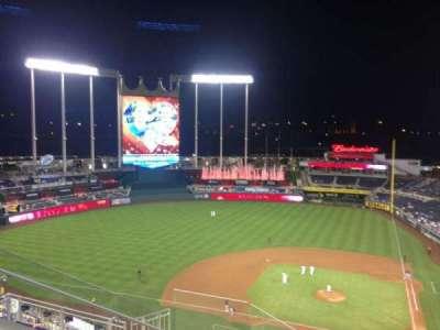 Kauffman Stadium, section: 413, row: V, seat: 6