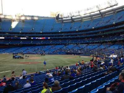 Rogers Centre, section: 129L, row: 19, seat: 104