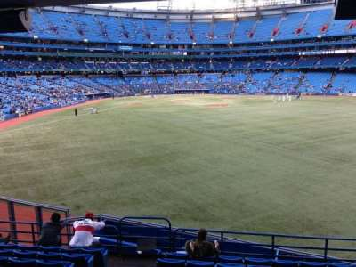 Rogers Centre, section: 105R, row: 10, seat: 2