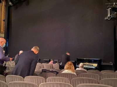 Nederlander Theatre, section: Orchestra R, row: M, seat: 22