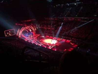 Manchester Arena, section: 206, row: Q, seat: 1