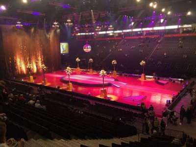Manchester Arena, section: 105, row: S, seat: 7