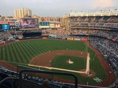 Yankee Stadium section 422