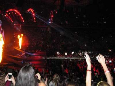 Madison Square Garden, section: 115, row: 17