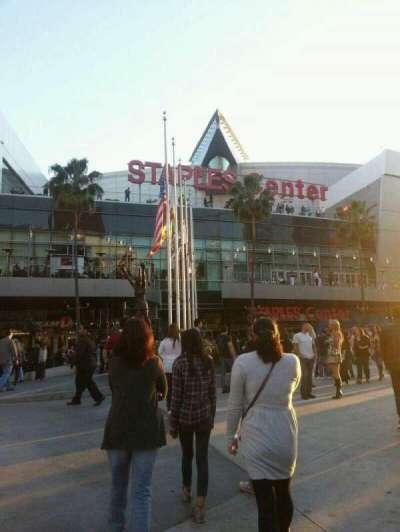 Staples Center, section: Outside