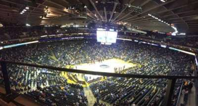 Oracle Arena, section: 220, row: 1, seat: 10