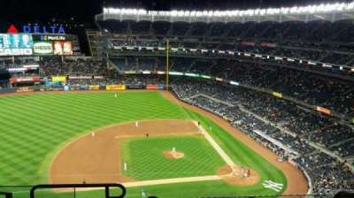 Yankee Stadium, section: 424, row: 6, seat: 19