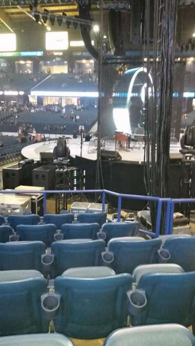 Allstate Arena, section: 109, row: g, seat: 4