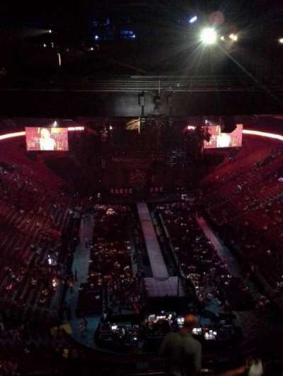 Centre Bell, section: 329, row: D, seat: 4