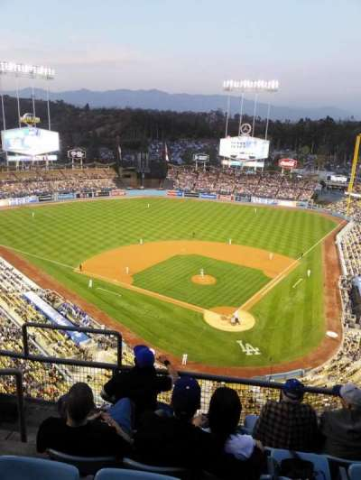 Dodger Stadium, section: 5td, row: E, seat: 17