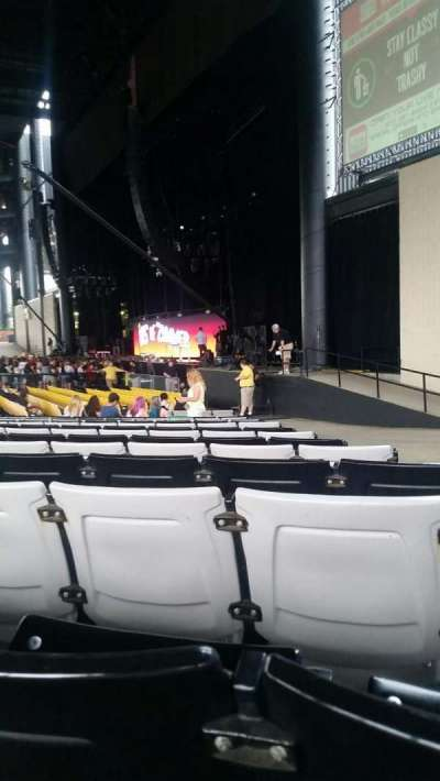 Hollywood Casino Amphitheatre (Tinley Park), section: 101, row: W, seat: 3