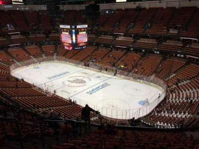 Honda Center, section: 428, row: Q, seat: 11