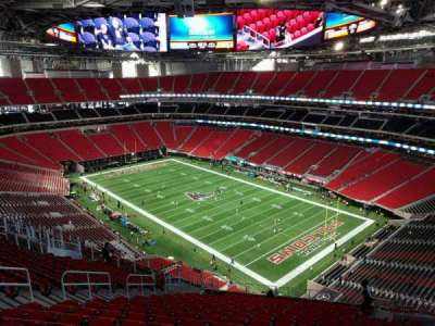 Mercedes-Benz Stadium, section: 304, row: 19, seat: 10