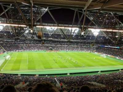 London Stadium, section: 233, row: 68, seat: 511