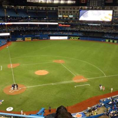 Rogers Centre, section: 521, row: 4, seat: 107