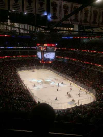 United Center, sección: 329, fila: 10, asiento: 19