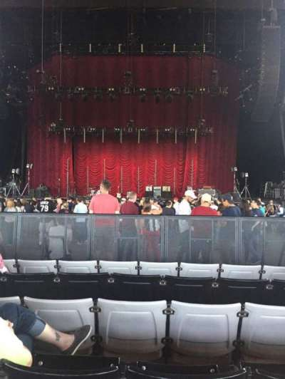 Hollywood Casino Amphitheatre (Tinley Park), section: 103, row: X, seat: 18