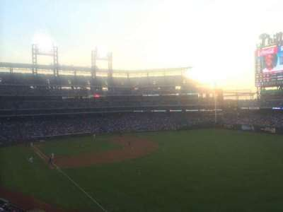 Citizens Bank Park, section: 207, row: 3, seat: 10