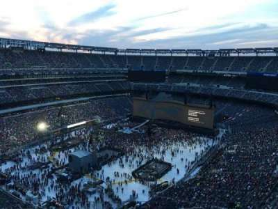MetLife Stadium, section: 321, row: 13, seat: 16